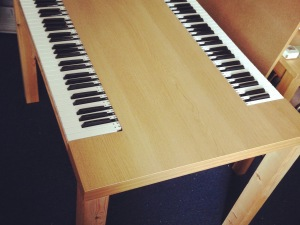 20 Pianos