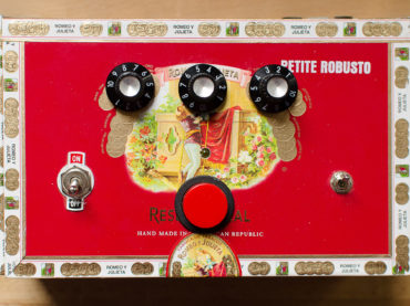 Petite Robusto (random MIDI sequencer)