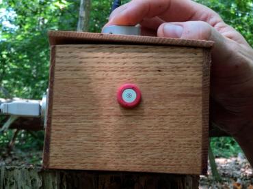 EN-20 minimalist listening device